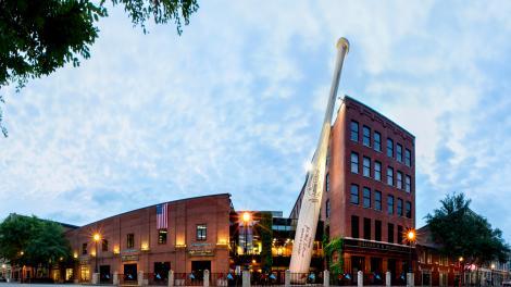 Exterior do Louisville Slugger Museum & Factory, em Kentucky