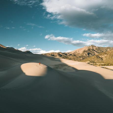Caminhada no Great Sand Dunes National Park and Preserve, no Colorado