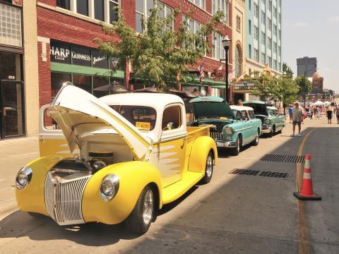 Celebrando o passado dos EUA no local de nascimento do Route 66 Festival & Car Show