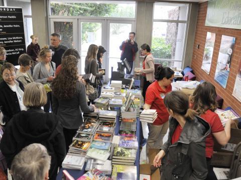 Leitores aficionados no Tucson Festival of Books