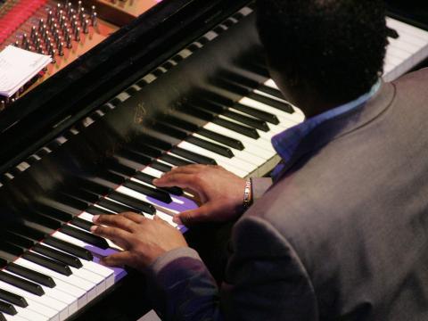 Tocando no marfim no Festival internacional de piano de Gilmore