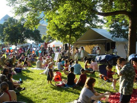 Música e piquenique na Festa de verão