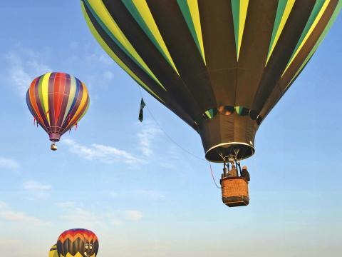 Voando alto no Hot Air Balloon Festival (Festival de Balões de Ar Quente)