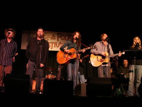 Cantando com o coração no Moab Folk Festival (Festival Folclórico de Moab)