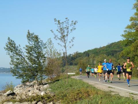 O pitoresco trajeto da Bayshore Marathon