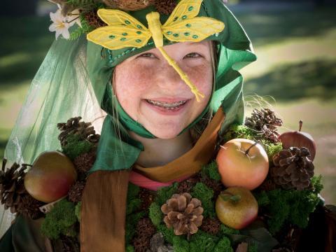 Participando da diversão de se vestir para o Fairy House Festival (Festival da Casa de Fadas)
