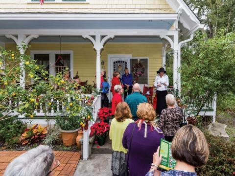 Passeando por lares históricos e elegantes durante o Tour de temporada histórica do Museu da Ilha Amélia
