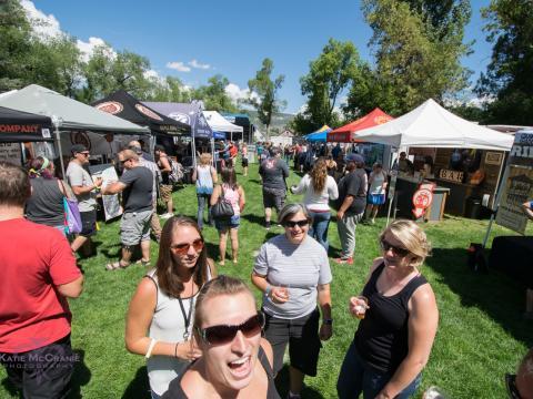 Cerca de 50 cervejarias, mais de 100 rótulos e música ao vivo na San Juan Brewfest