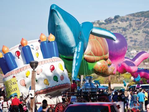 Desfile do Festival of the Whales em Dana Point, California