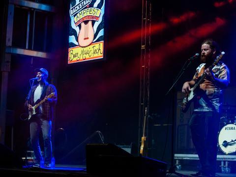 Show durante o AMP Fest, no Walmart AMP (Arkansas Music Pavilion) em Rogers
