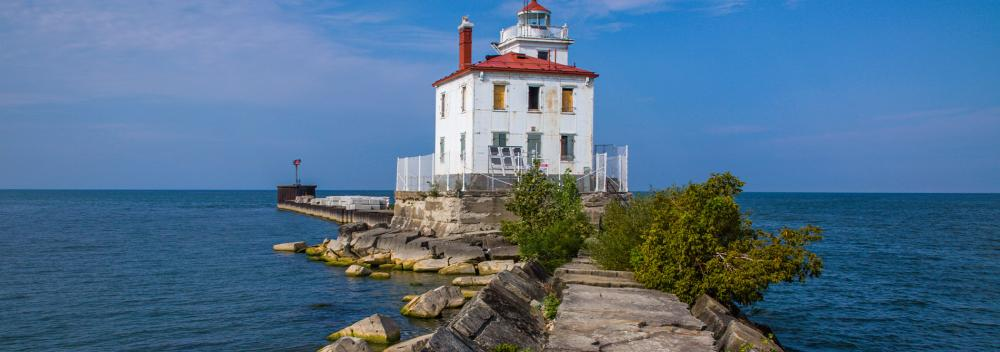 Fairpoint Harbor West Breakwater Lighthouse, no lago Erie